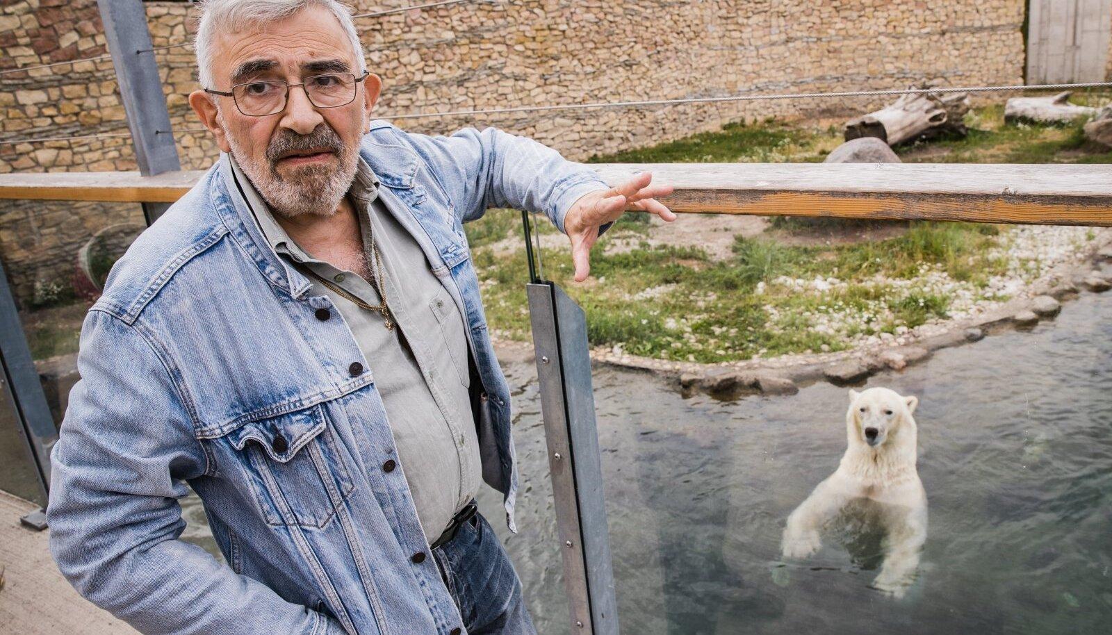 Isegi jääkaru jääb kuulama, kui Aleksei Turovski loomade loomusest räägib.