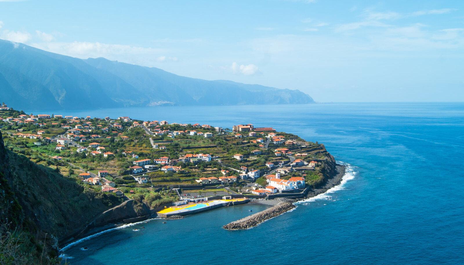 Ponta Delgada, Assoorid