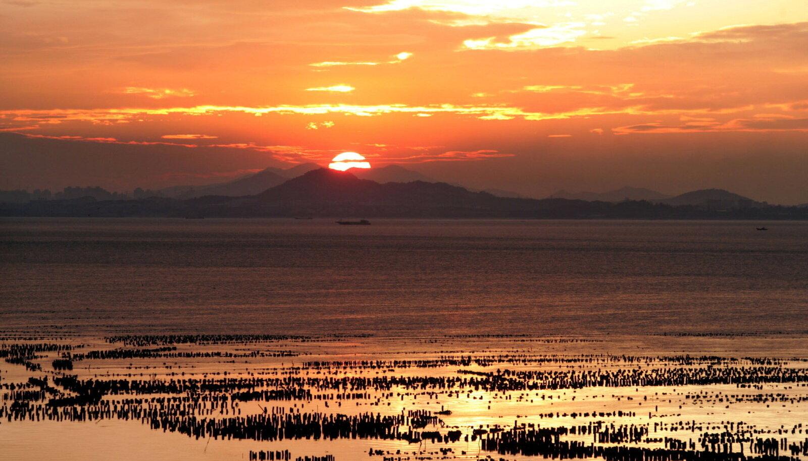 Fujian Taiwani Kinmeni saarelt vaadatuna