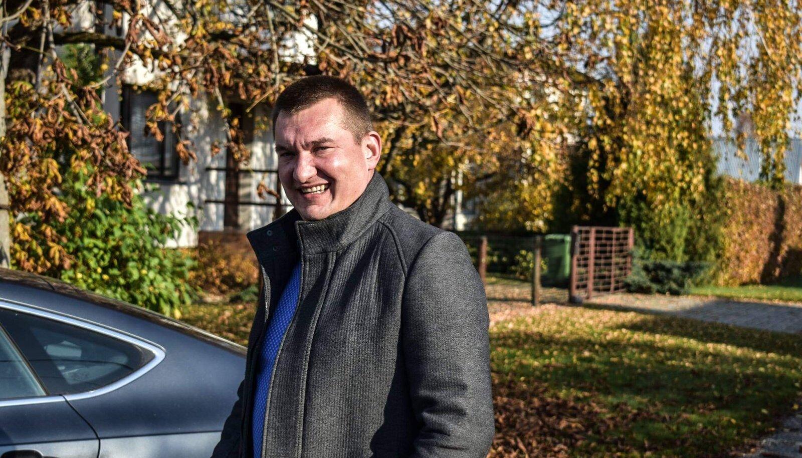 Paide linnavolikogu liige Janis Tikk kuulub Isamaa erakonda.