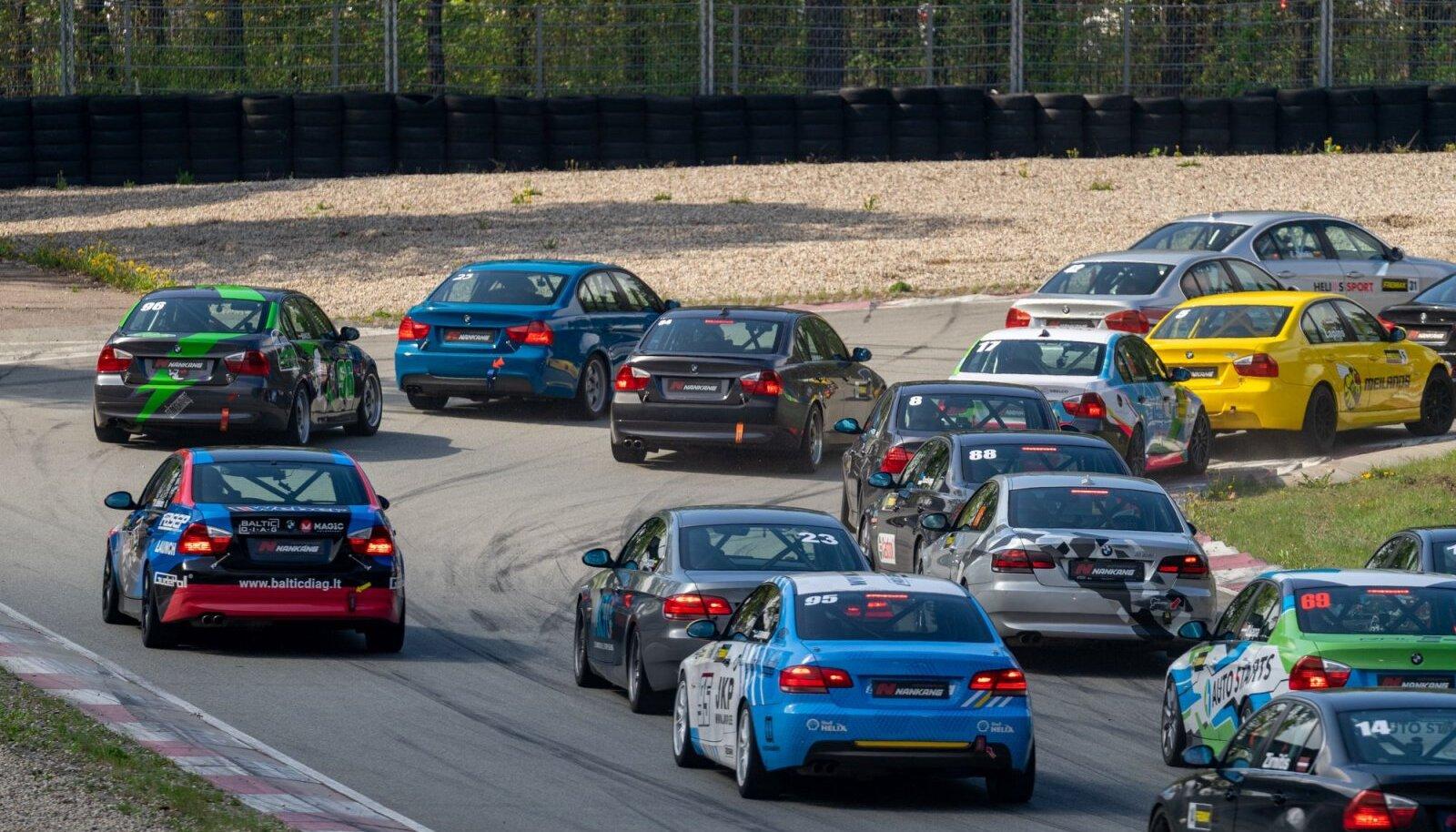 Ringrajasõidu Eesti meistrivõistluste avaetapil startis 33 autot
