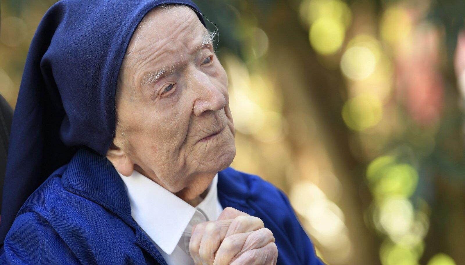 Сестра Андре говорит, что не боялась заболеть Covid-19
