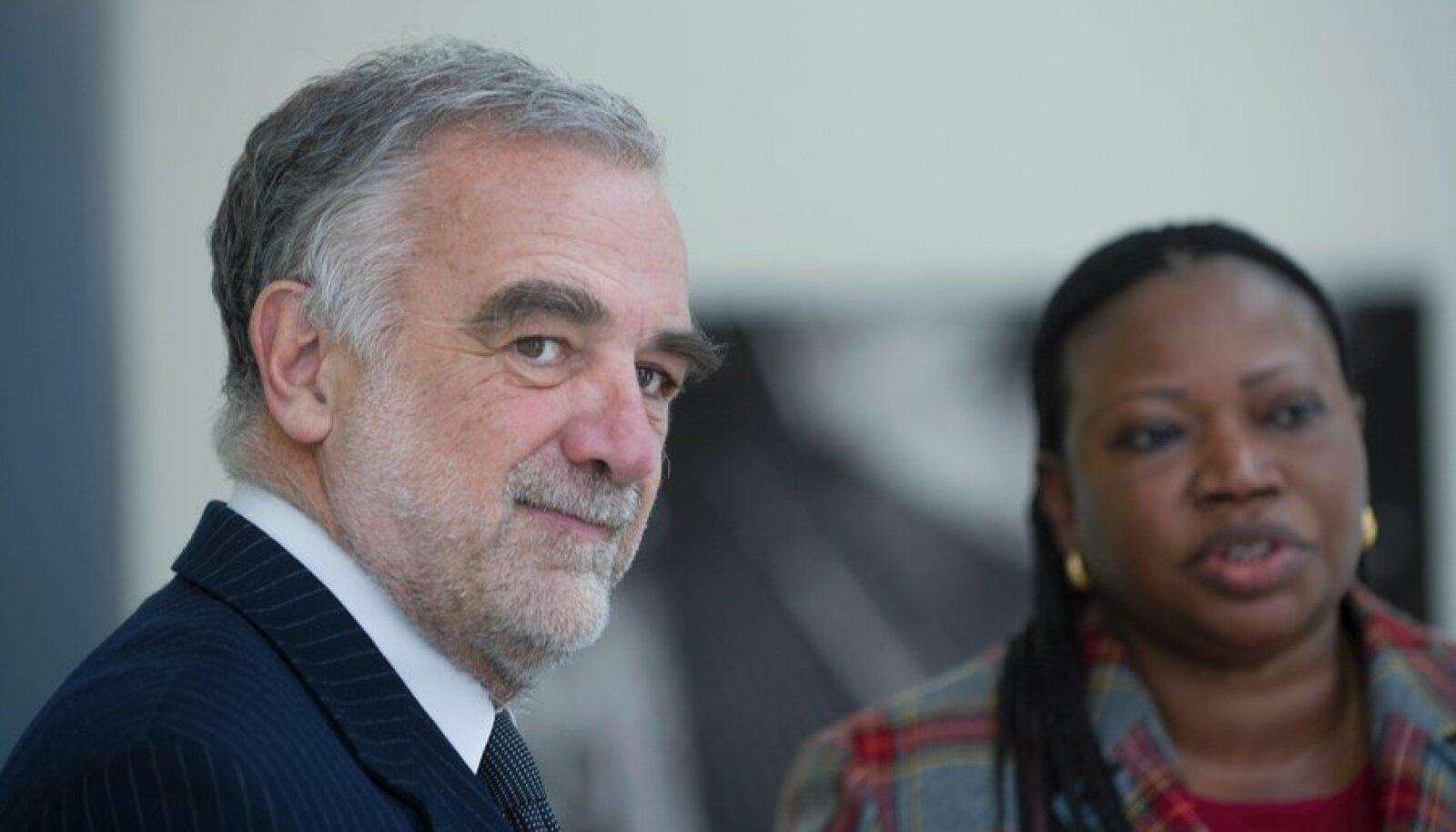 Rahvusvahelise Kriminaalkohtu peaprokurör Luis Moreno-Ocampo  ja aseprokurör Fatou Bensouda