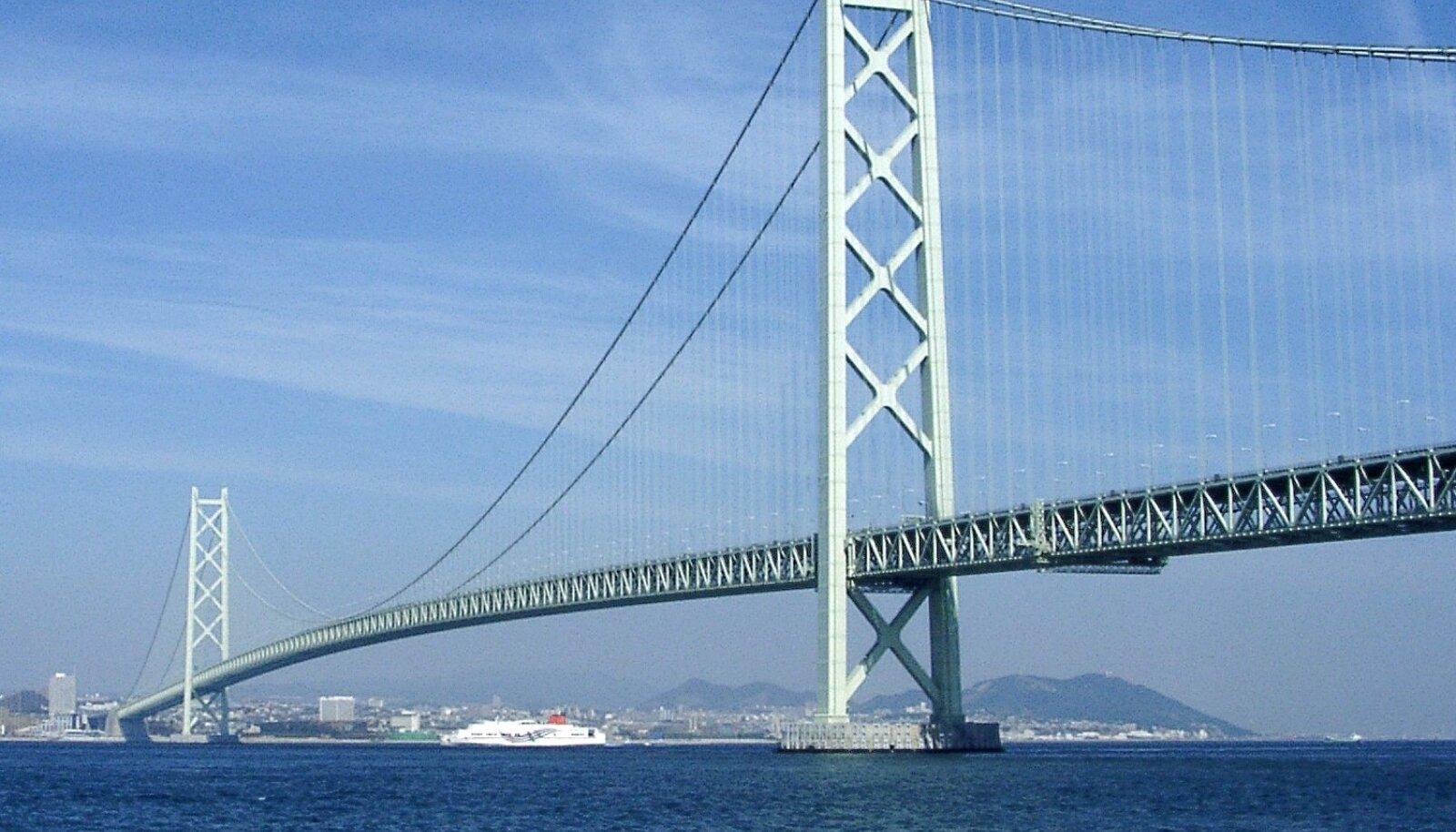Maailma pikim rippsild Akashi Kaikyō (foto: Pinqui / CC BY-SA 4.0 / Wikimedia Commons)