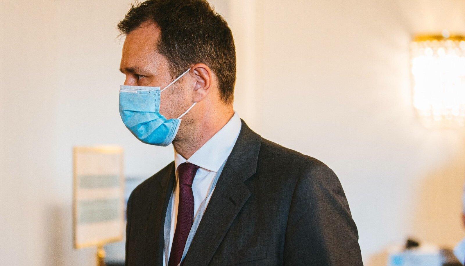 Skandaali tuum on Kurzi sõbra Thomas Schmidi soojale ametikohale määramine.