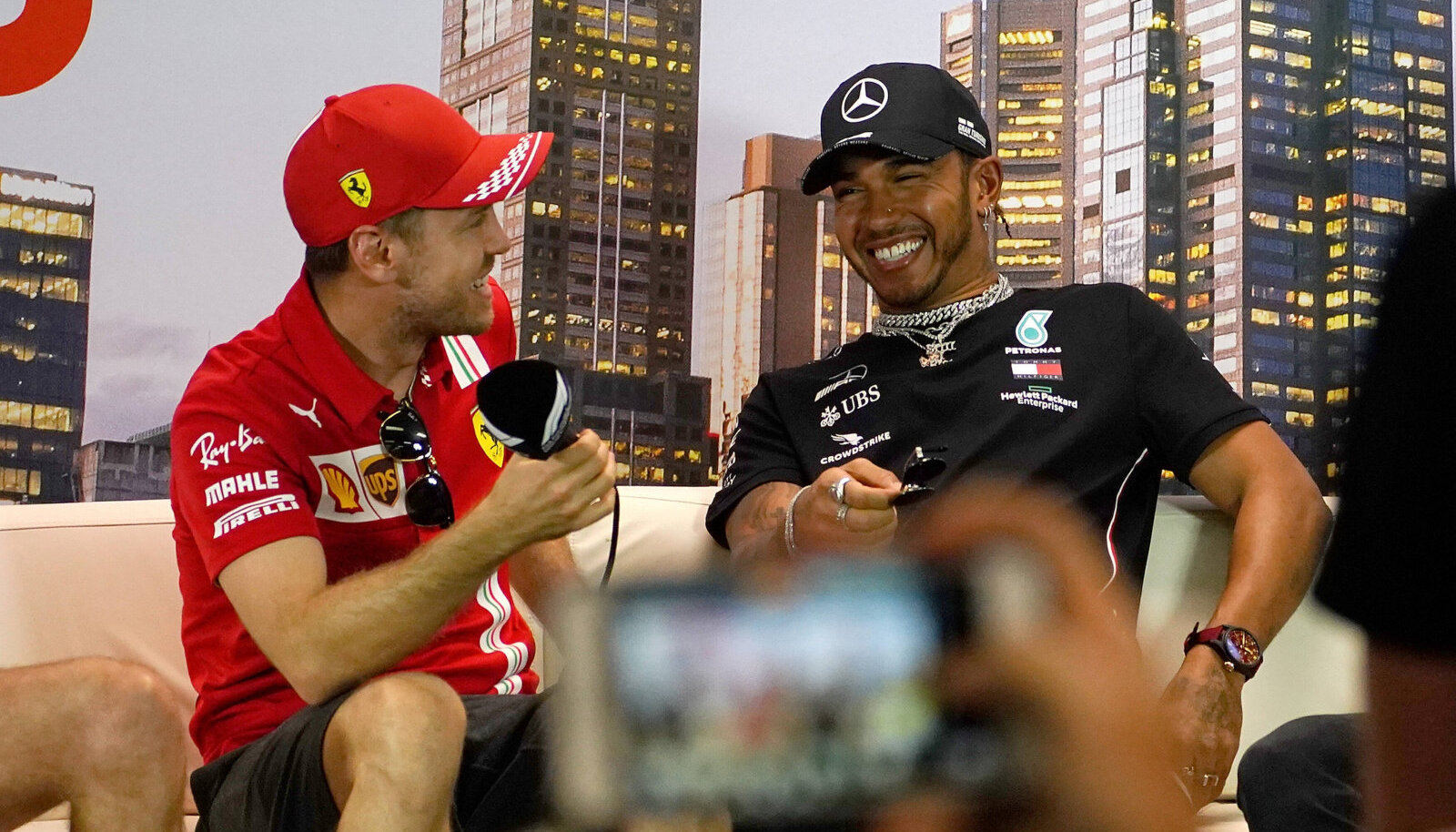 Sebastian Vettelil on uueks hooajaks leping olemas, Lewis Hamilton veel mitte.