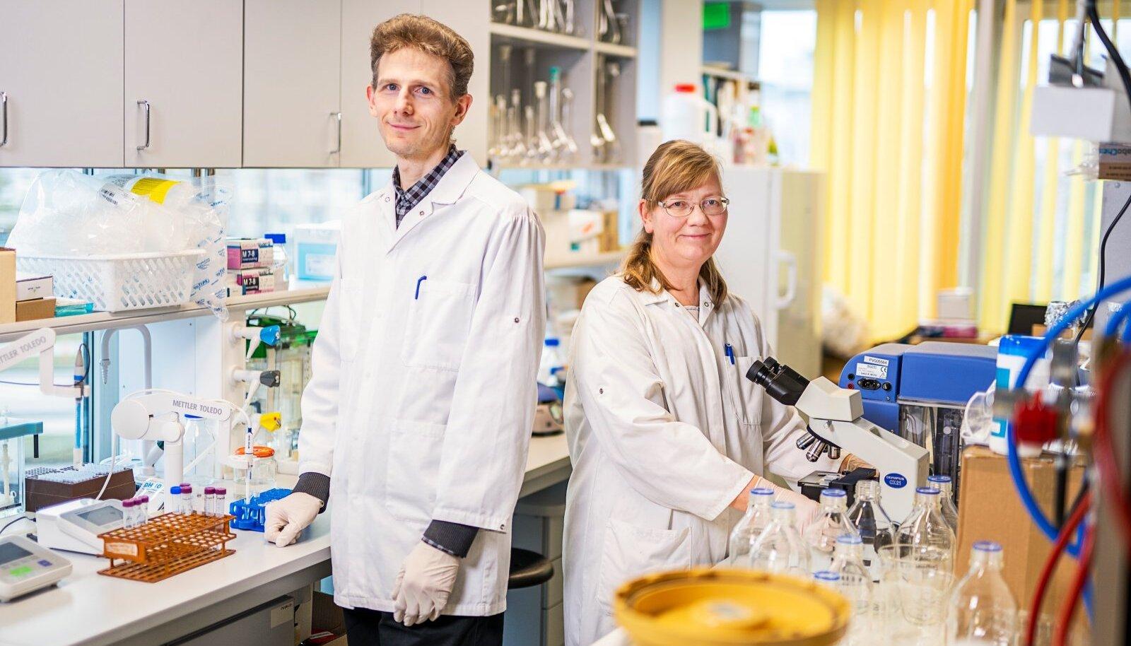 Vanemteadurid Kaarel ja Signe Adamberg.