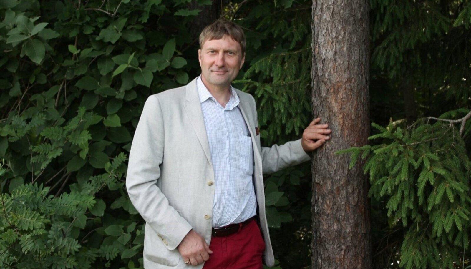 Ando Eelmaa on ettevõtja ja Eesti Erametsaliidu juhatuse esimees.