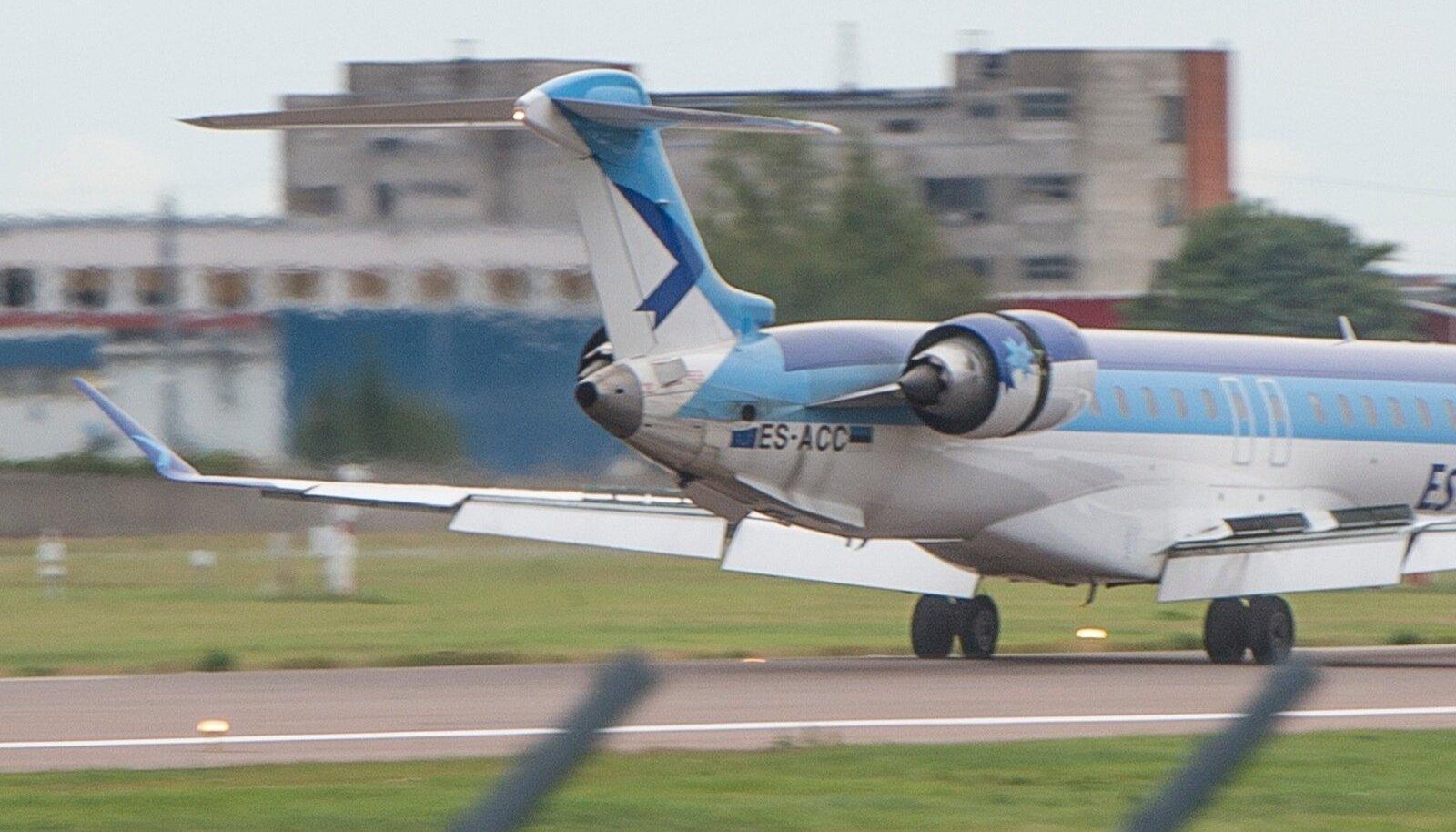 Estonian Airi lennuki hädamaandumine