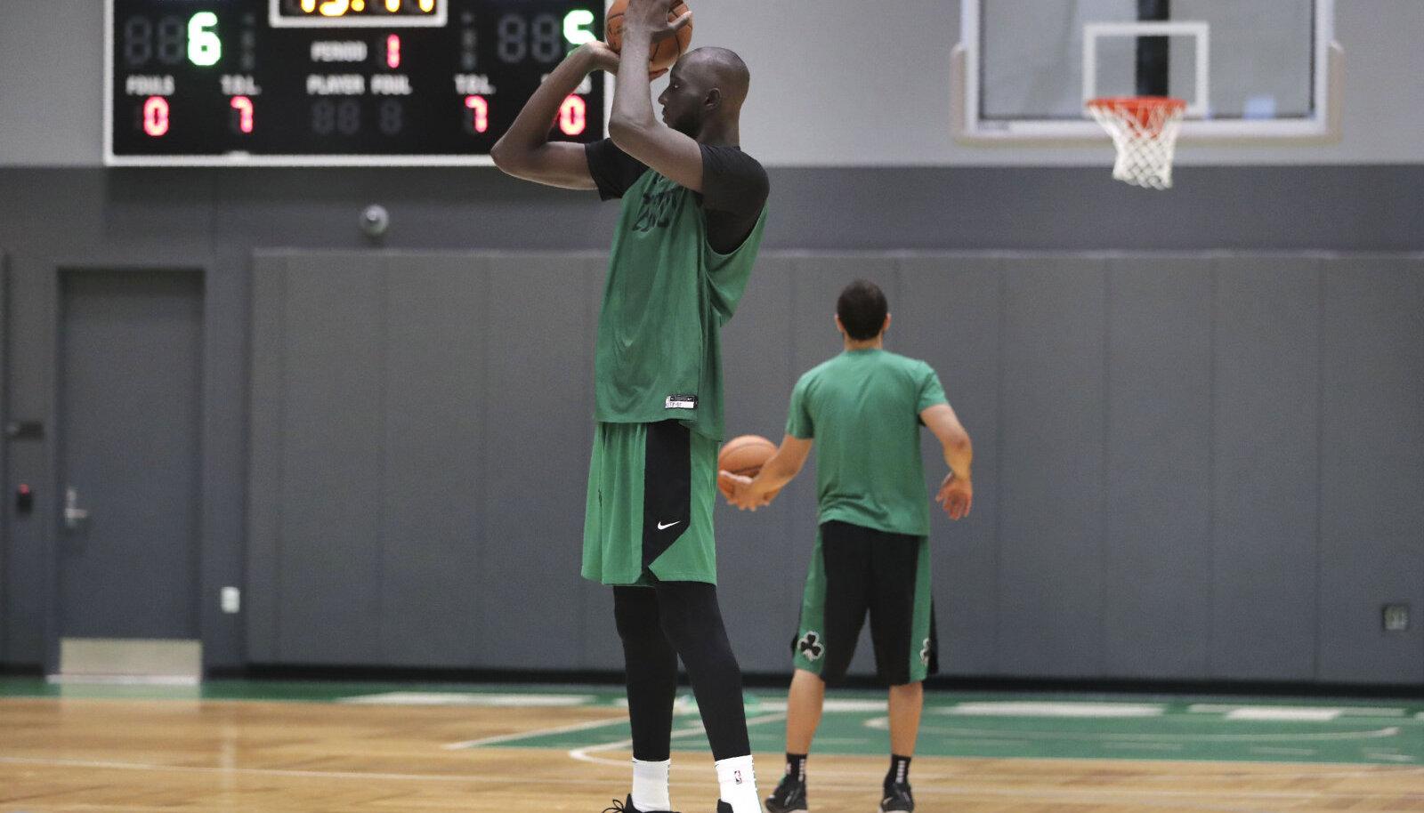 Tacko Fall Celticsi treeningul