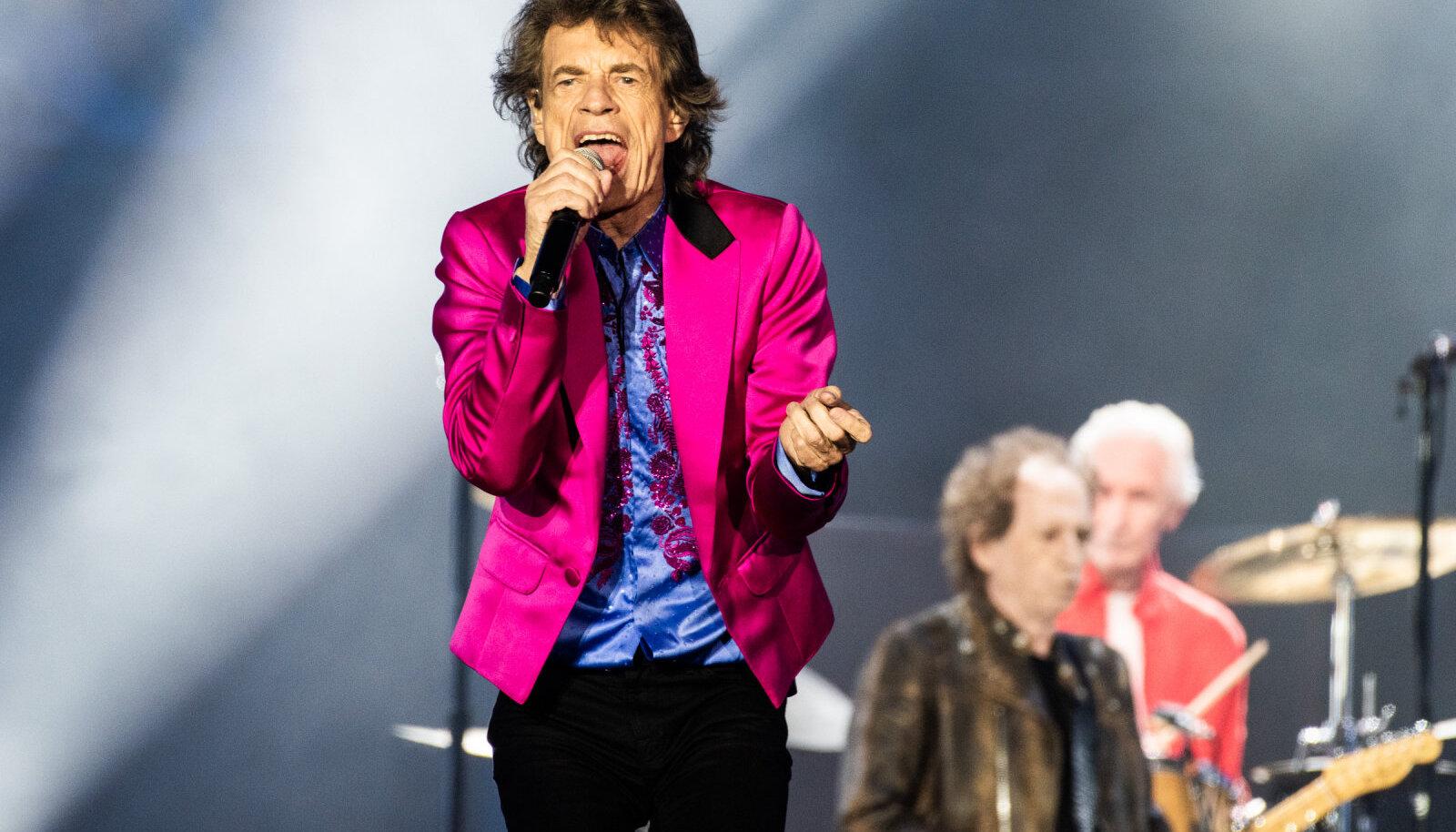 Mick Jagger esinemas koos The Rolling Stonesiga