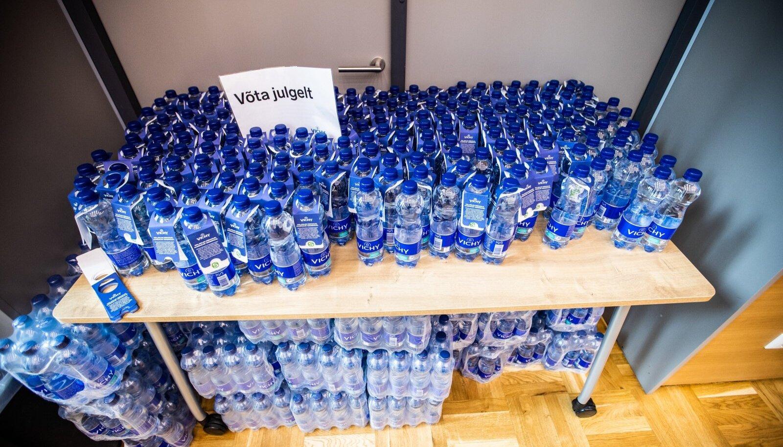 Vaktsineerimine kultuurikeskuses Kaja - joogipudelid