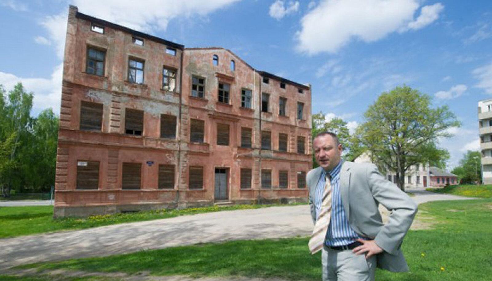 """""""Võlgnike probleem süveneb,"""" ütleb Valga linnapea Kalev Härk."""