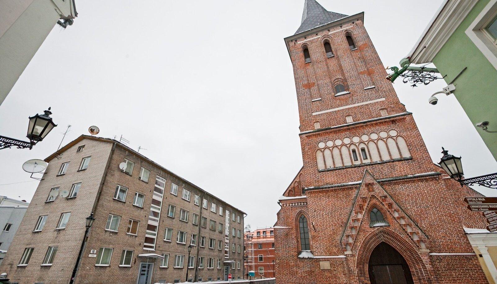 Tulevane nutikas maja? Korrusmaja Lutsu tänaval Jaani kiriku kõrval..