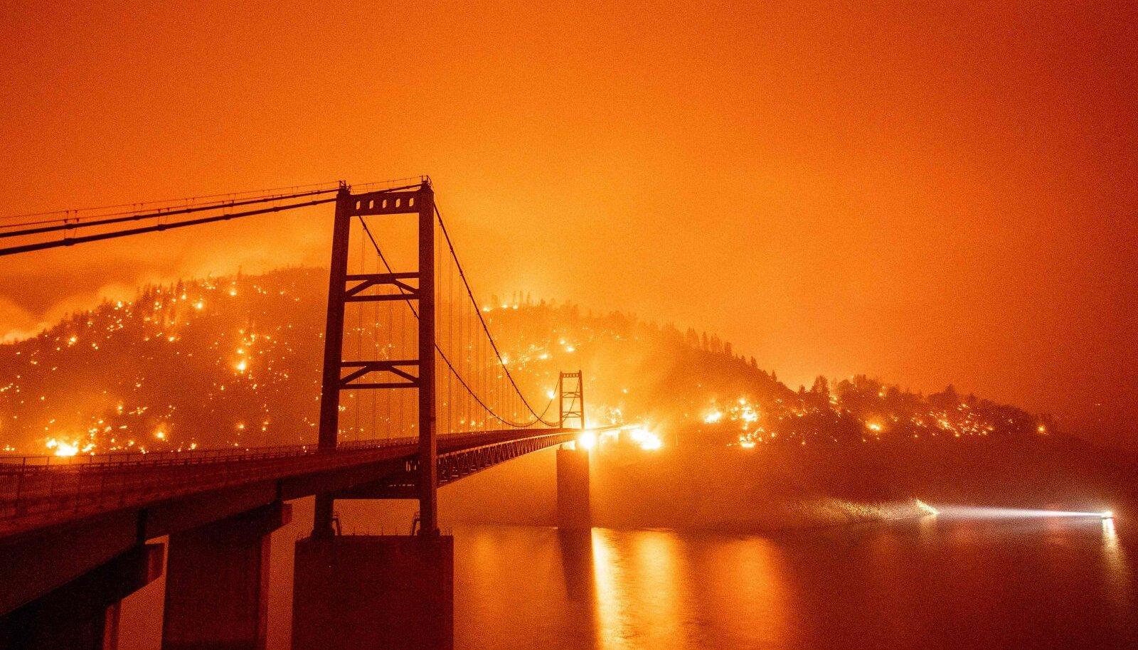 Alles äsja räsis Californiat praeguse aja esimene gigapõleng, mis sai alguse augustis ning kestis veel oktoobriski. Kliima soojenedes niisugused põlengud sagenevad.