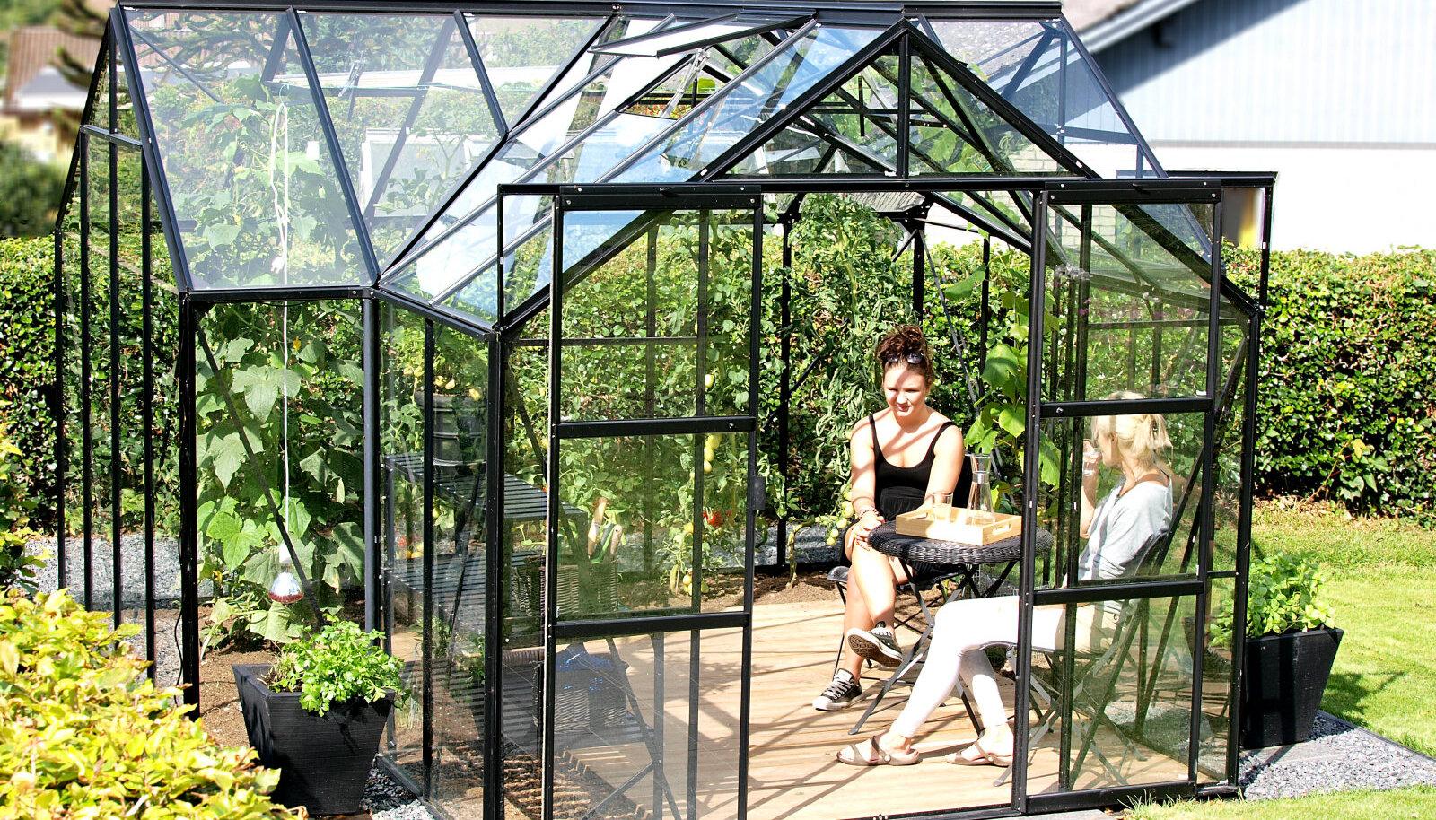 Kasvuhoone on miski, mis rikastab inimese elu, kaunistab tema aeda.