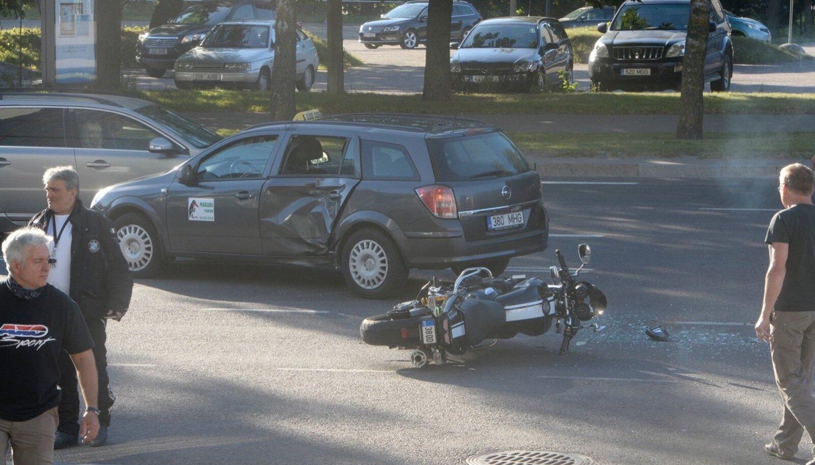 Õnnetus Liivalaia tänaval