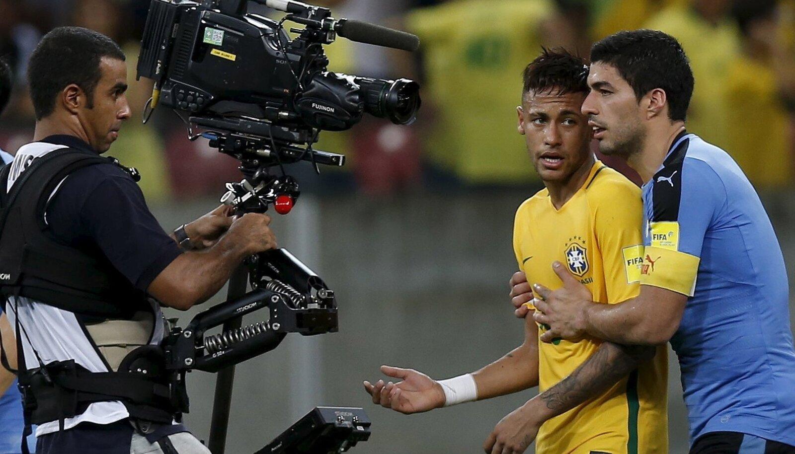 Football Soccer - Brazil v Uruguay - World Cup Qualifiers