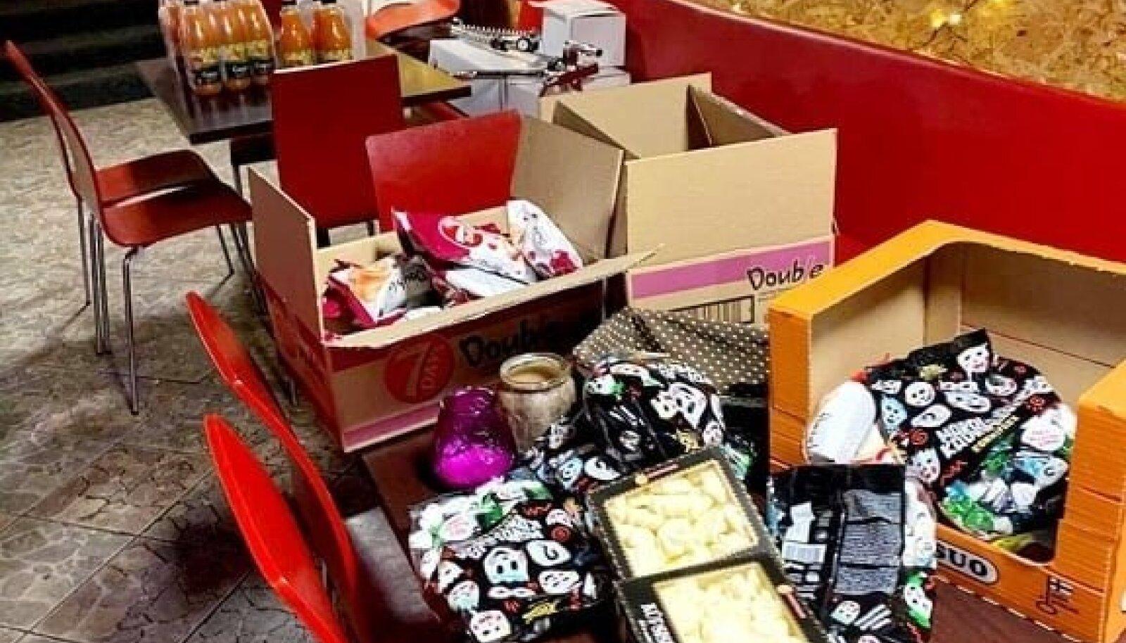 Ossu Burger annetas oma toidukapid enne kollektiivpuhkusele minekut tühjaks.