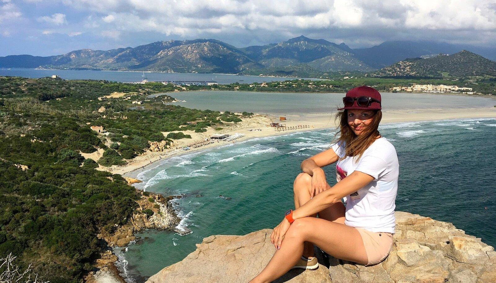 Vaade matkaraja tipust Porto Giunco rannale.