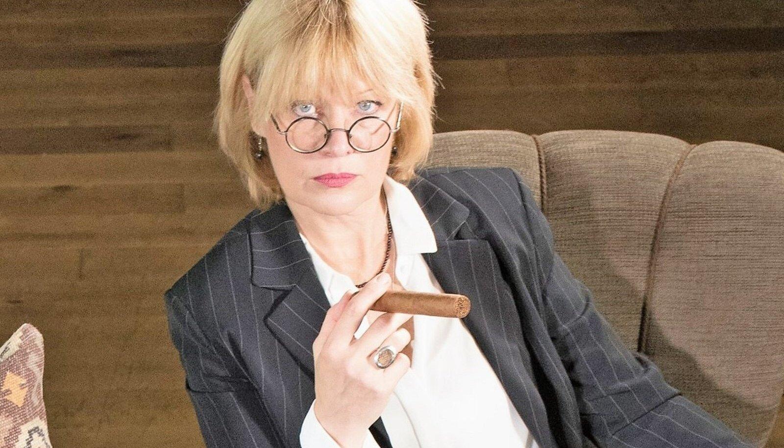 Tiina Jõgeda on Eesti Ekspressi ajakirjanik.