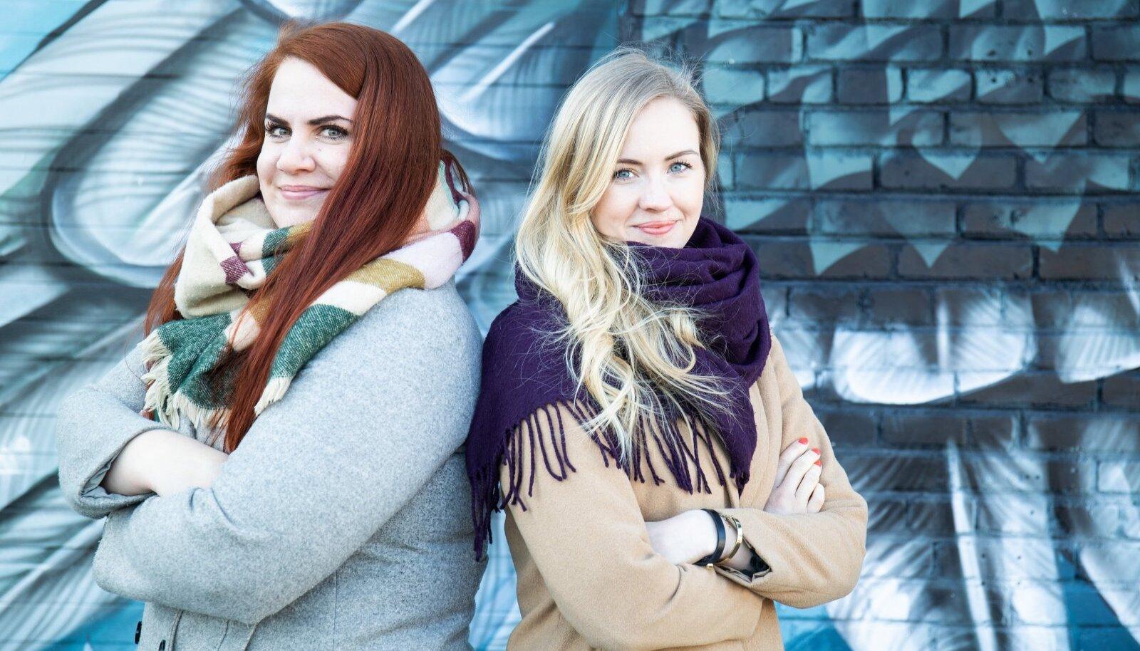 Karin Künnapas (vasakul) ja Elle-Mari Pappel otsustasid, et omavahelist head klappi tuleb ära kasutada ja üks ilma teiseta kooli juhtima ei lähe.
