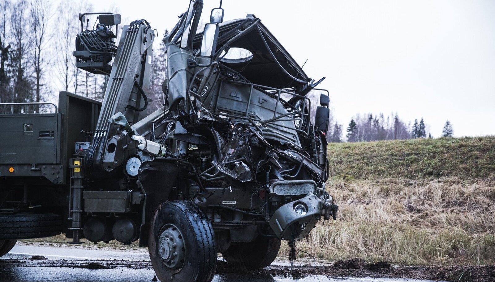 Õnnetus kaitseväe masinaga