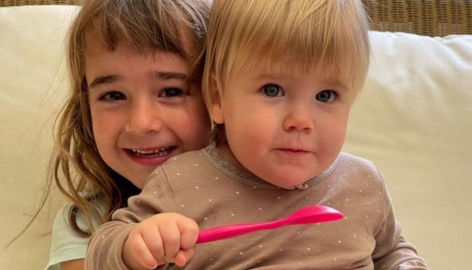 Тело шестилетней Оливии (слева) нашли, но поиск годовалой Анны продолжается