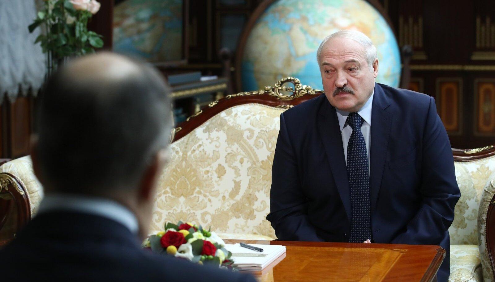 Aljaksandr Lukašenka andis pärast Venemaa välisministriga kohtumist uue lahkumislubaduse.