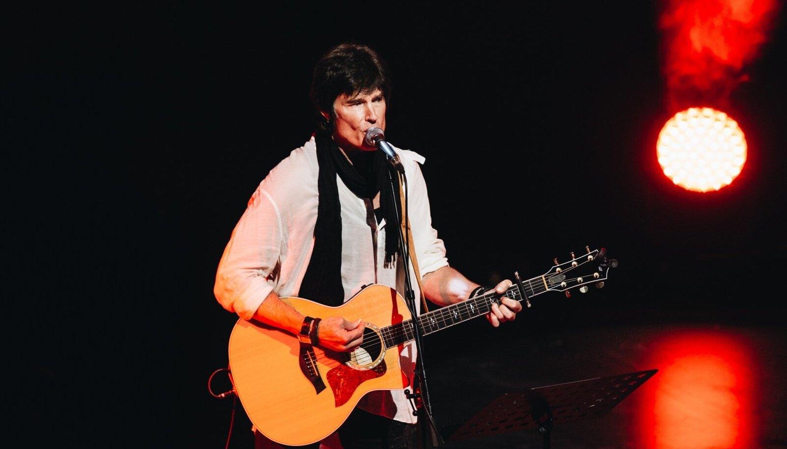 Ronn Moss 2017. aasta lõpus Tallinnas esinemas.