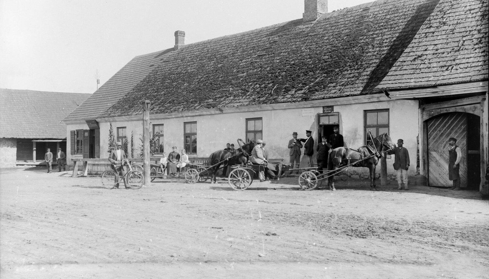 LUSTIPESAD: Elu ja porduelu keerles XIX sajandil kõrtside ümber. Fotol Varstu kõrts.