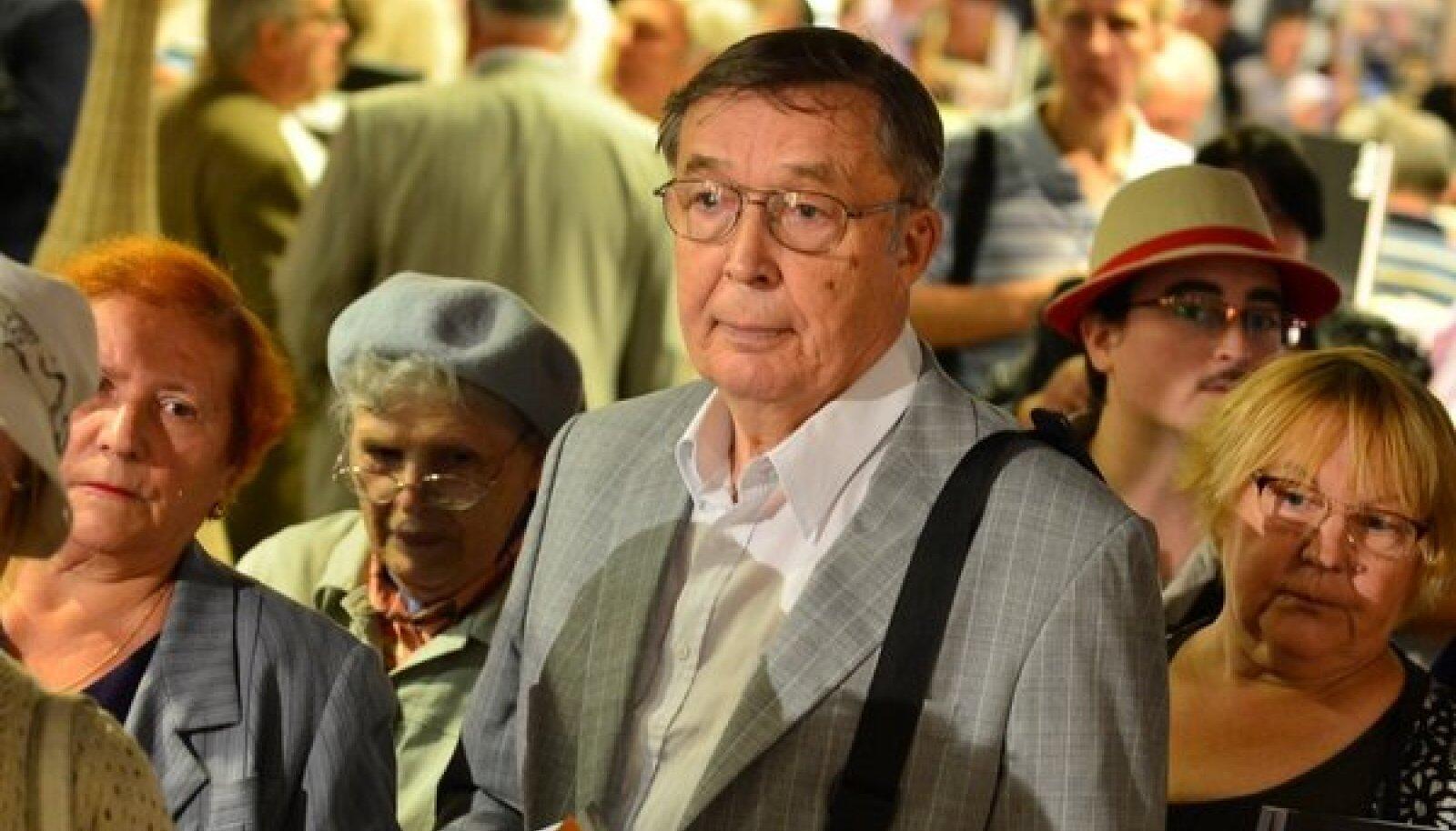 Vladimir Pool Edgar Savisaare raamatuesitlusel