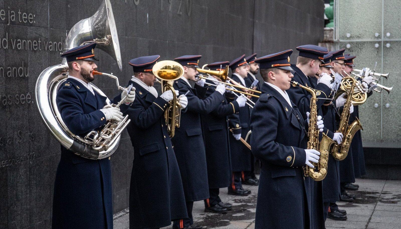 Eesti Kaitseväe orkester esinemas Vabadussõjas langenute mälestamistseremoonial 2020. aasta jaanuaris.