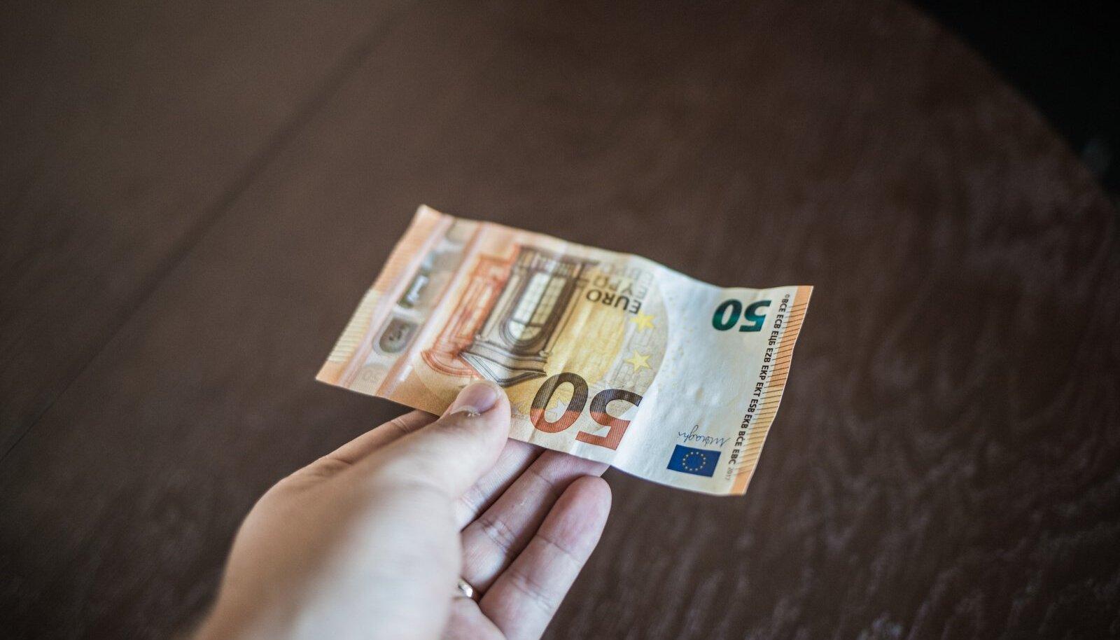 Raha paneb riigi rattad käima!