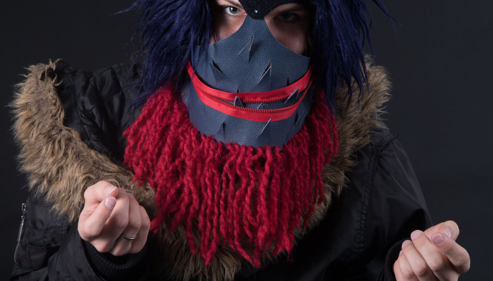 Kuressaare ametikoolid 3. kursuse stilisti Merit Reismaa disainitud mask.
