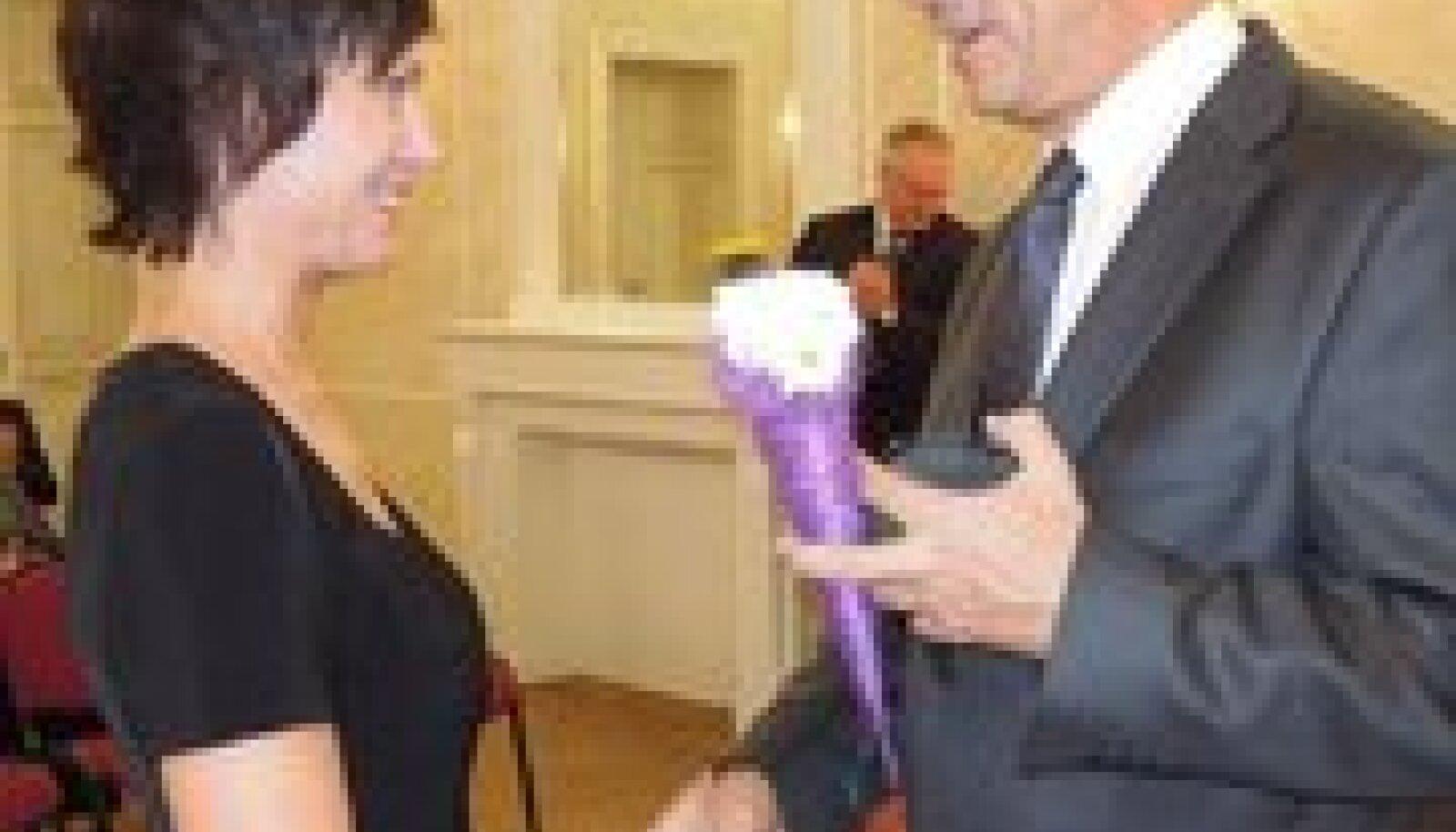 Jõgevamaa Aasta õpetaja  (ka üldhariduskoolide kategooria võitja) Anneli Jäme