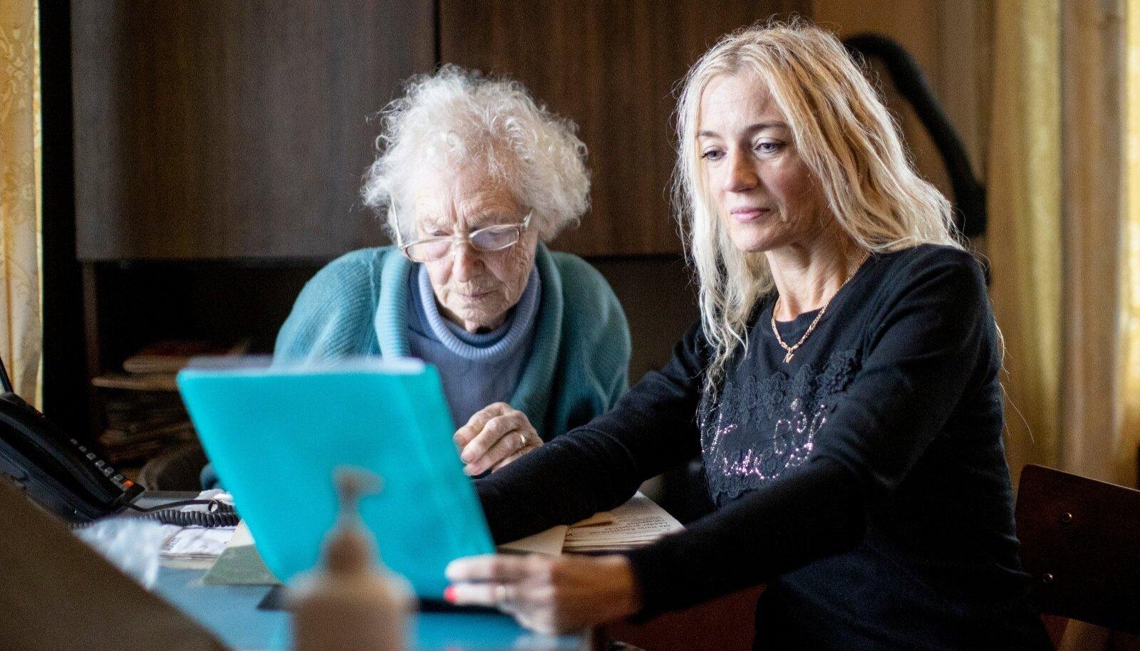 Vanaproua Nelly ja jurist Merike Roosileht