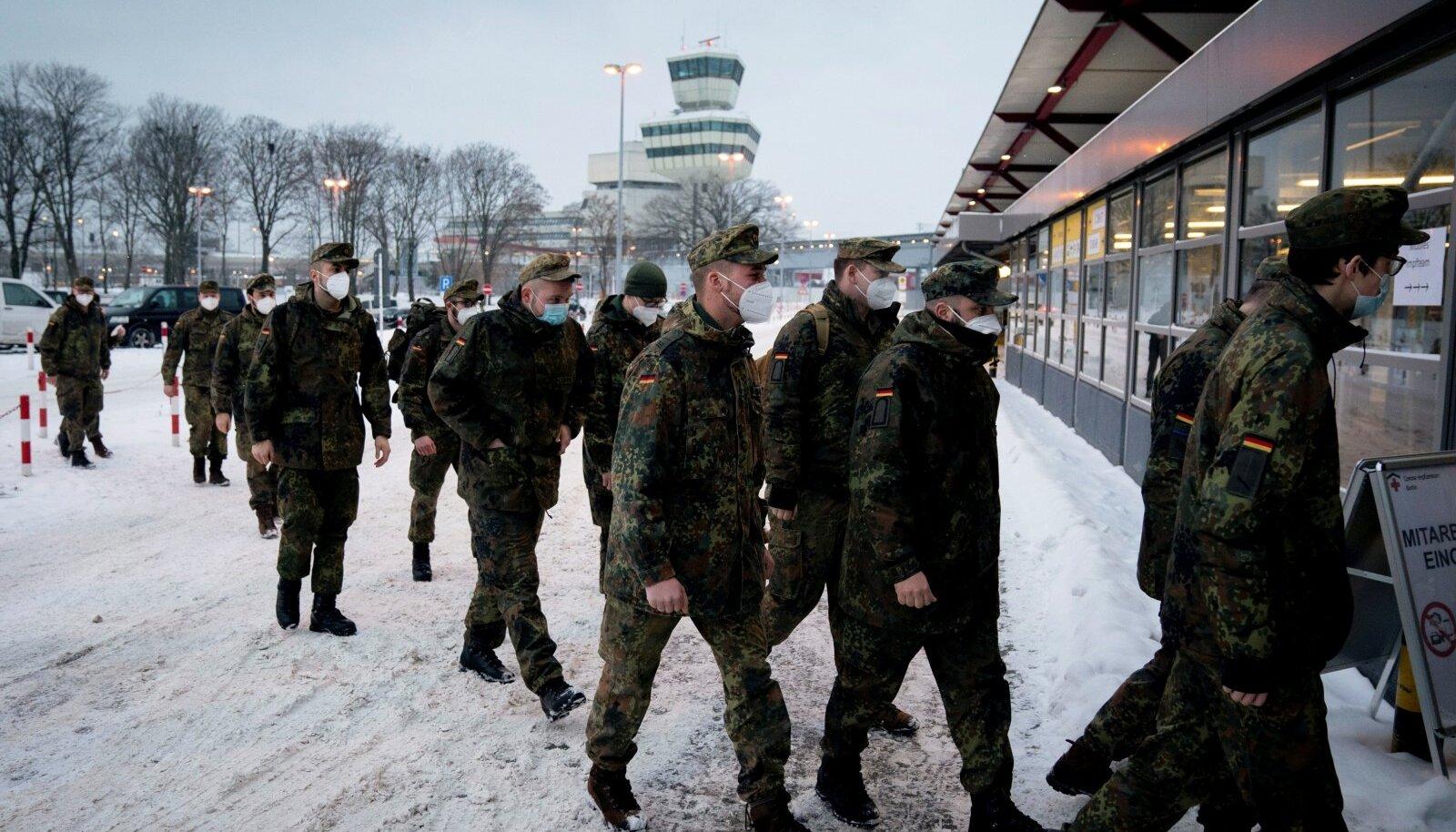 Saksa sõdurid saadeti sel kuul Tegeli lennujaama vakstineerimispunkti appi, kuid kuna seal saab vaid AstraZeneca vakstiini, siis muid inimesi sinna palju ei saabu.