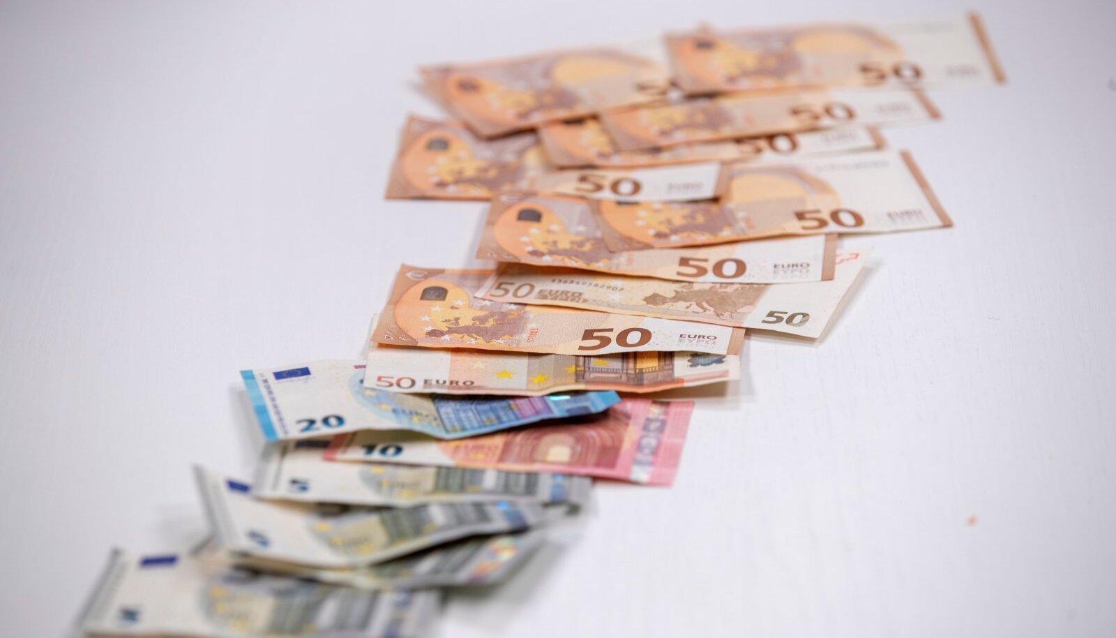 Raha, rahatähed, mündid