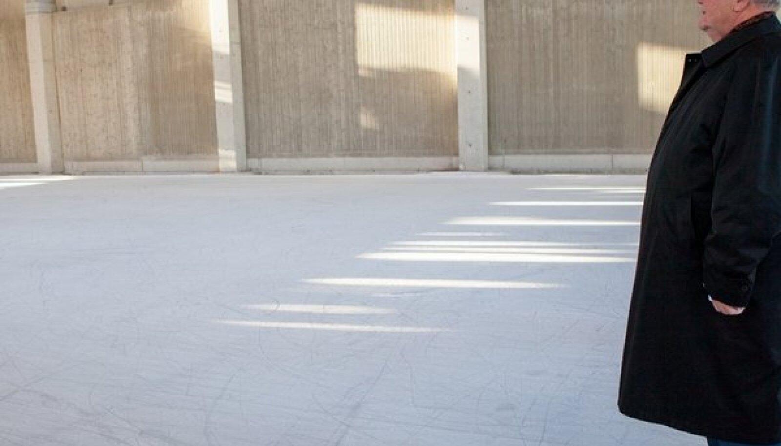 Edgar Savisaar seisab vankumatu sambana Keskerakonna eesotsas