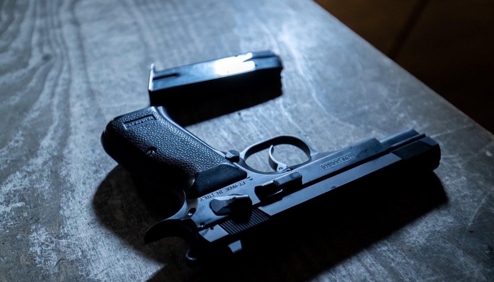 Ebareaalne nõue relvaloa saamisel sihtmärgile pihta saamise kauguse osas.