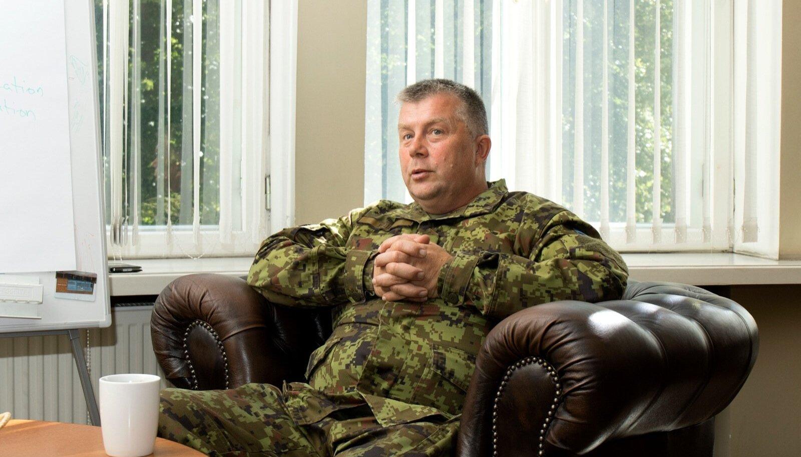 Kaitseliidu ülema kohalt NATO staapi tööle mineva kindralmajor Meelis Kiili sõnul on tal hea öelda, et saab riiki kaitsta tänu sellele, et abikaasa ja vanem tütar on kaitseliitlased ning noorem tütar kodutütar