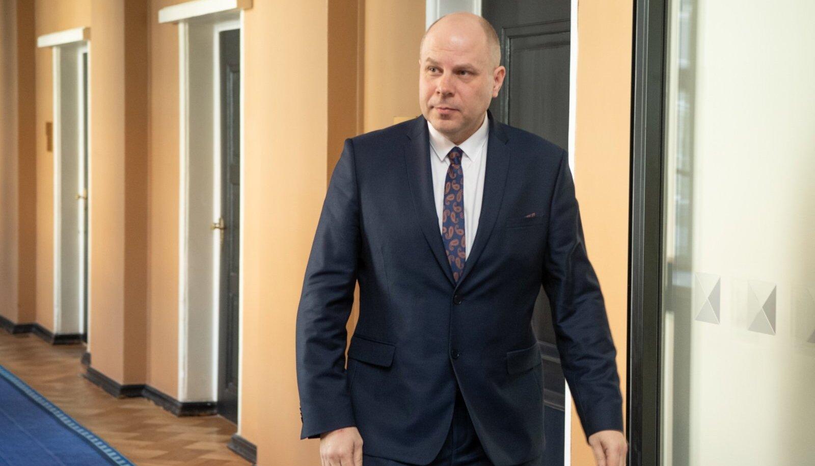 Raul Seim astus ametisse 21. aprillil