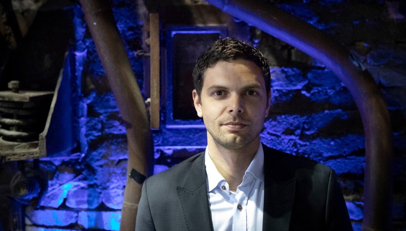 TARK MEES ARVUTIS: Tehisintellektispetsialist Peter Sarlin arendab ettevõtetele digikratti, kes teeks inimese eest ära tüütu töö.
