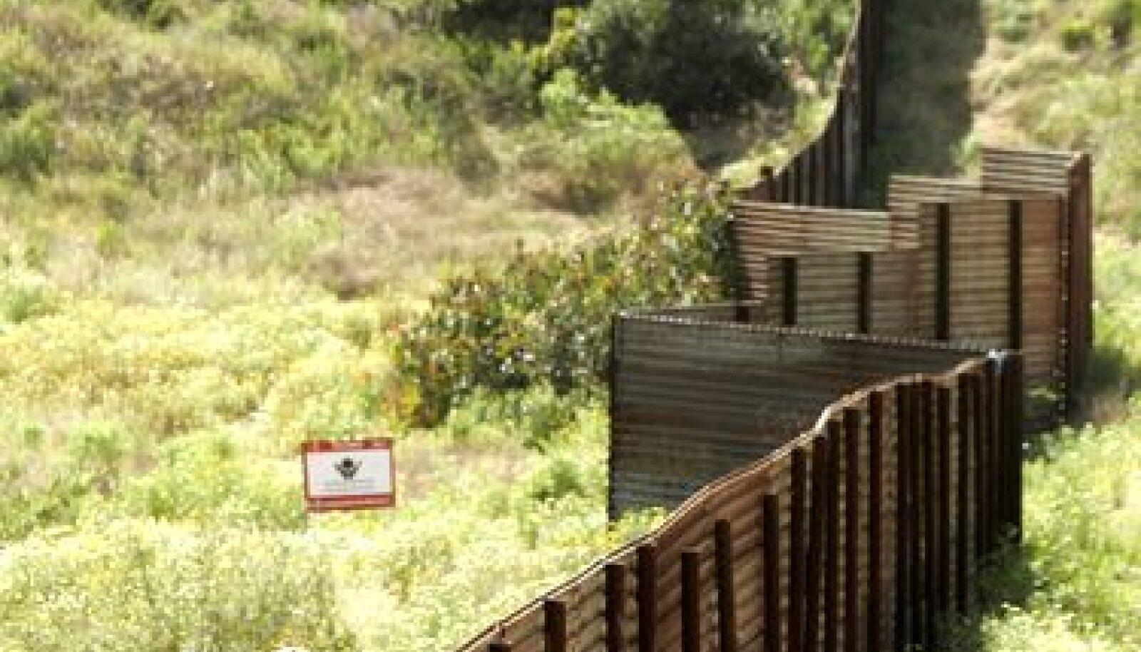 USA-Mehhiko piir San Diego lähedal