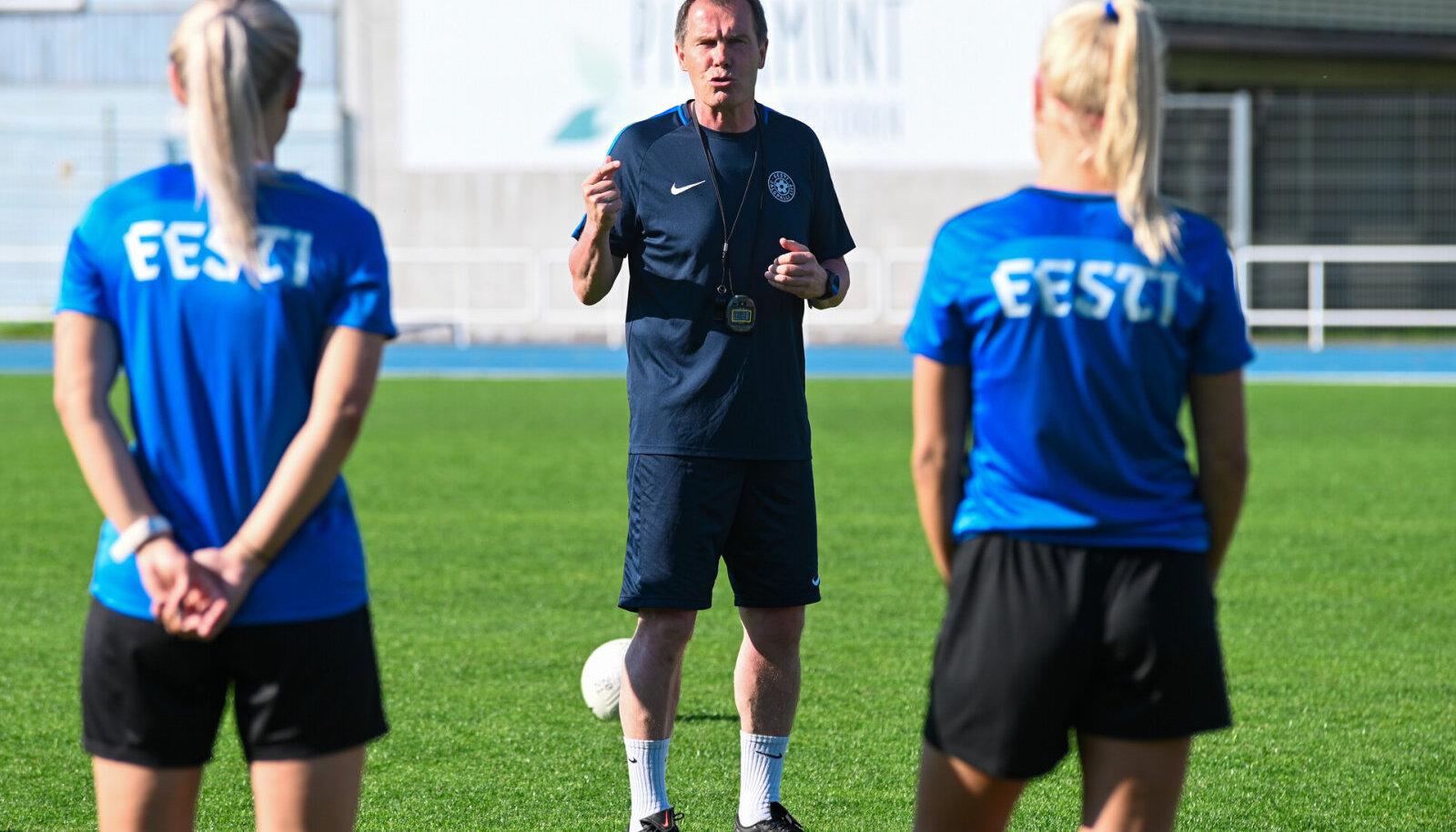 Eesti jalgpallinaiskonna peatreener Jarmo Matikainen
