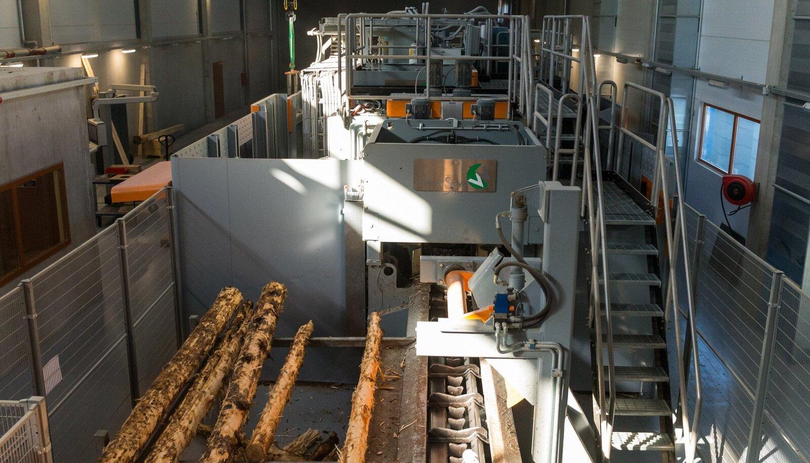 Moodsas puidutööstuses lõikeinstrumentide lähedusse töötajad muidugi ei satugi. Ohtlikud on ennekõike väikestes tsehhides töötavad n-ö poolprofessionaalsed tööpingid, kus palju oleneb töötaja enda teadlikkusest.