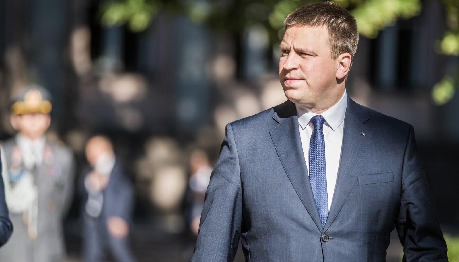 Jüri Ratas lubas ministrid puhkusele.