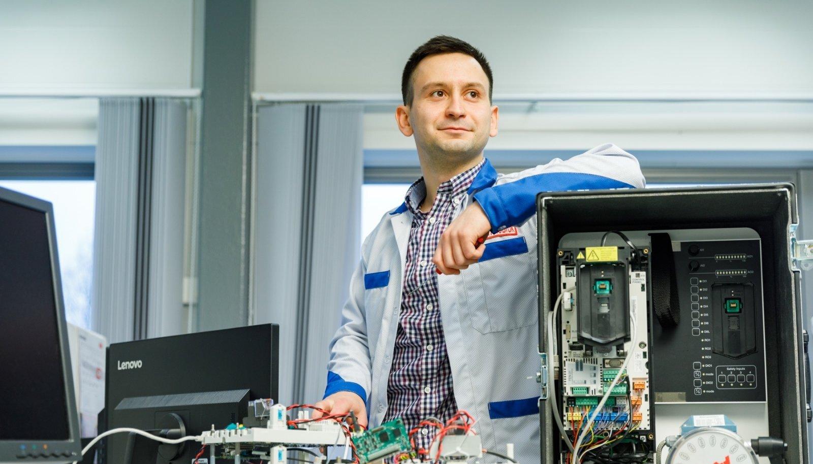 Ukrainast pärit Dmytro Yakobiuk jäi pärast TTÜ-s magistrantuuri lõpetamist tööle rahvusvahelise kontserni ABB Eesti ettevõttesse.