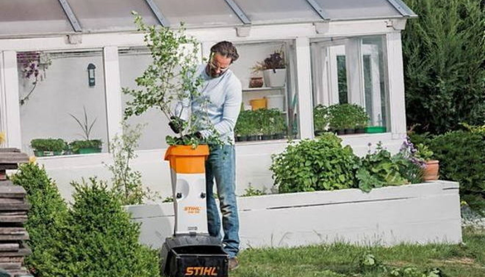 Tänapäevane oksapurustaja ei ole mõeldud ainult okstele, vaid sobib ka kõikidele aias purustamist vajavatele taimedele ja lehtedele